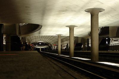 DC Metro Station - Washington, DC ... June 25, 2006 ... Photo by Rob Page III
