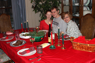 Christmas Dinner - Chagrin Falls, OH ... December 25, 2008 ... Photo by Bob Page Jr.