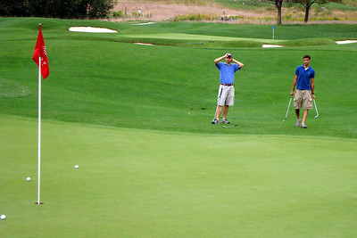 Chipping up onto the green - McHenry, MD ... September 13, 2008 ... Photo by Rob Page III