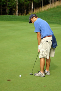 Christiaan putting for par - McHenry, MD ... September 13, 2008 ... Photo by Rob Page III