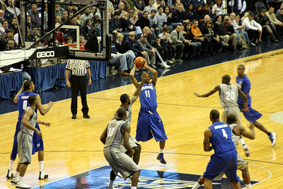 Defense! - December 13, 2008 ... Photo by Rob Page III