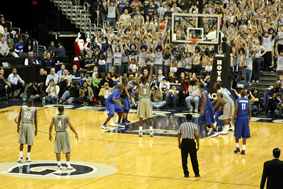 DuJaun Summers shot is up - December 13, 2008 ... Photo by Rob Page III