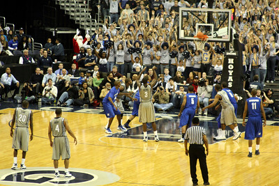 Dujaun Summers sings his free throw - December 13, 2008 ... Photo by Rob Page III