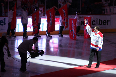 Mike Gartner walks out onto the ice - Washington, DC ... December 28, 2008 ... Photo by Rob Page III
