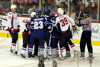 A scrum by the net - Washington, DC ... December 28, 2008 ... Photo by Rob Page III