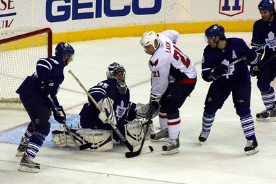 Stopping the Capitals' rush - Washington, DC ... December 28, 2008 ... Photo by Rob Page III