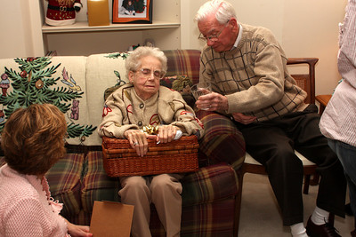 Grandma ends up with a picnic basket - Phoenixville, PA ... December 27, 2008 ... Photo by Bob Page Jr.