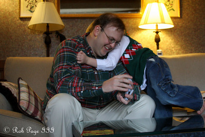 Giving dad a hug - Roswell, GA ... December 25, 2009 ... Photo by Rob Page III