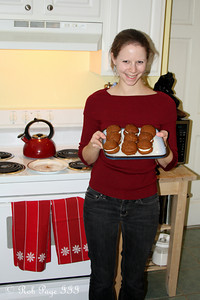 Emily with her whoopie pies - Washington, DC ... November 15, 2009 ... Photo by Rob Page III