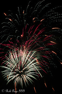 Fireworks - Chagrin Falls, OH ... July 4, 2010... Photo by Rob Page III