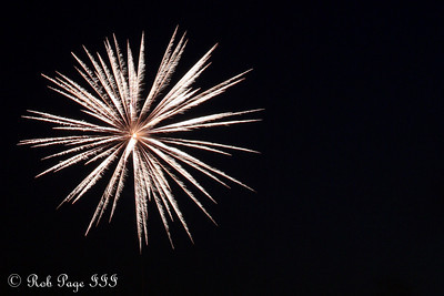 Fireworks - Chagrin Falls, OH ... July 4, 2010 ... Photo by Rob Page III