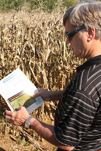 Dad has some help at the Corn Maze in the Plains - The Plains, VA ... October 10, 2010 ... Photo by Rob Page III