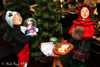 It's Christmastime - Washington, DC ... December 4, 2011 ... Photo by Rob Page III