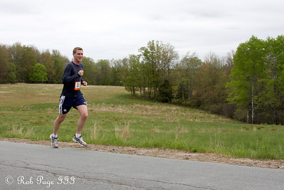 Rob runs in the Ragnar Relay - New York ... May 13, 2011