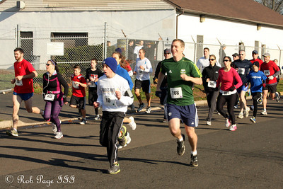 And the runners are off - Chalfont, PA ... November 24, 2011 ... Photo by Heather Fairley