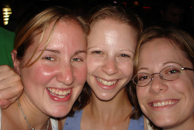 Heather, Emily, and Jen - Washington, DC ... July 14, 2007 ... Photo by Rob Page III