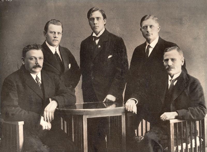 Fyrsta ljósmynd af stjórn ÍSÍ árið 1918 1918-1922