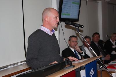 Formannafundur ÍSÍ, 23. nóvember 2012 í Íþróttamiðstöðinni í Laugardal. Sigurður Elvar Þórólfsson formaður Samtaka íþróttafréttamanna flytur erindi.