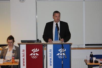 Formannafundur ÍSÍ, 23. nóvember 2012 í Íþróttamiðstöðinni í Laugardal. Ólafur E. Rafnsson forseti ÍSÍ í pontu.