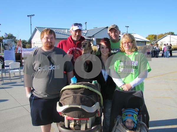 Bobby Heun, Scott Licht and dog Max, Brittany, Bill, and Lori Heun, and Draytn Heun (front).