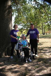 Walk to End Alzheimer's Team Pollard Sample Family