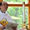 Fr. Quang leads the final prayers in the chapel