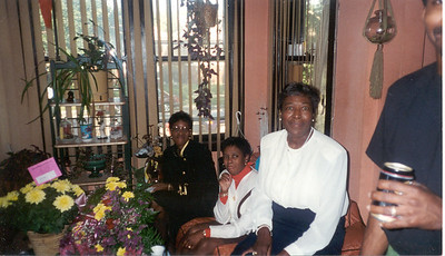 1997-9-12 22H Aunt Pauline,Cindy and