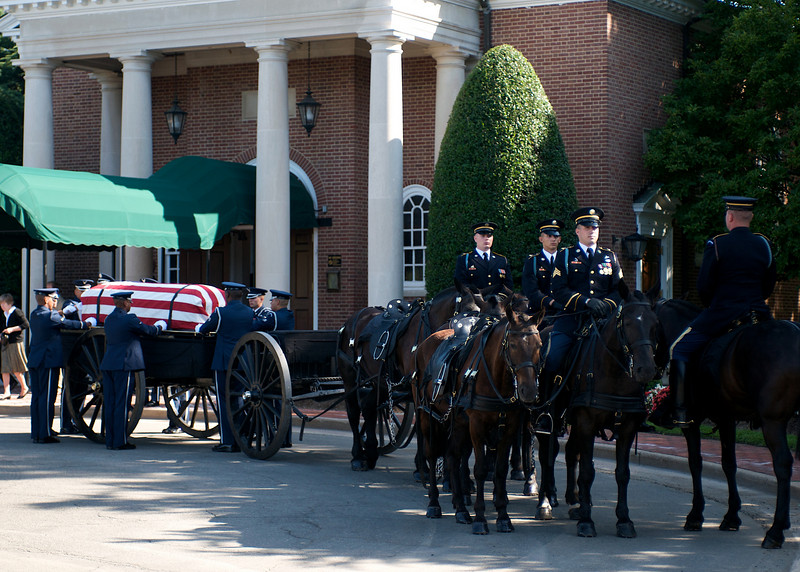 The USAF Honor Guard prepares the Army caisson for the funeral procession. Ft. Myer, VA, July 8, 2009
