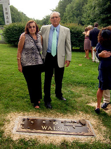 Elliot Walsey gravestone unveiling - Dora and Jack Hyman, daughter Carrie's mother and father-in-law