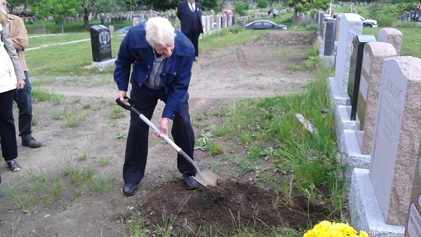 Len's Burial