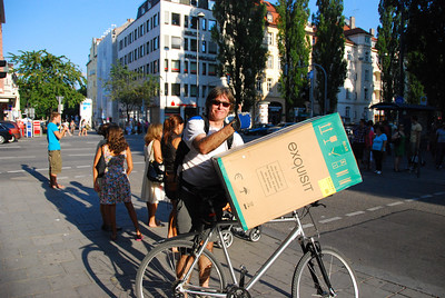 Only Marcel can have the idea to buy a fridge and bring it home on his bicycle.