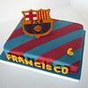 Torta de futbol del equipo de Barcelona, escudo Barza, realizado en pastillaje y glase.