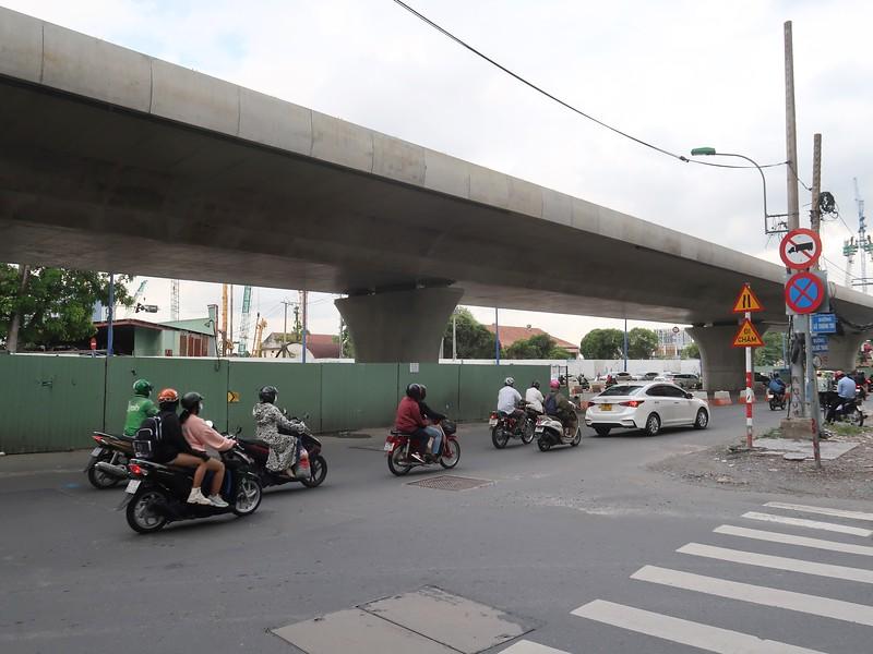 Corner Le Thanh Ton and Ton Duc Thang
