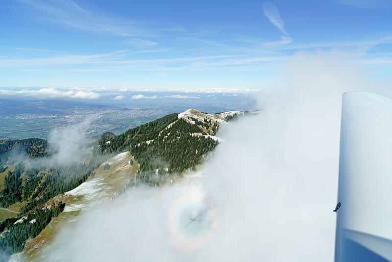 Hohe Kugel mit 360° Nebelbogen