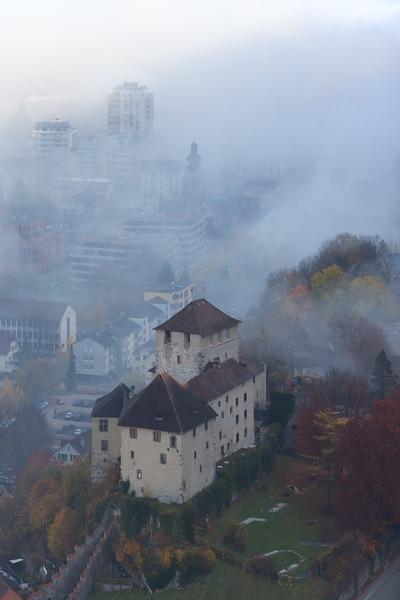 Schattenburg vom Stadtschorfen im Herbst