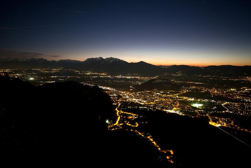 Nachtaufnahme vom Rheintal