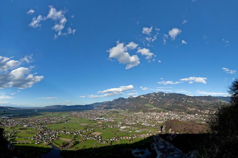 Kummenberg mit Blick auf das Rheintal