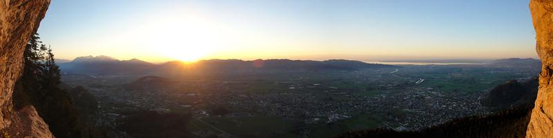 Kapf Klettersteig mit Blick auf das Rheintal