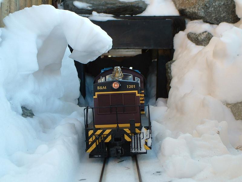 B&M 1201 under snow arch