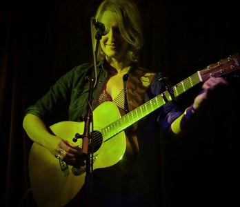 Joan Shelley: Red River Dialect: Nathan Salsburg:Hebden Bridge TradesClub: 17th Sept. 2017