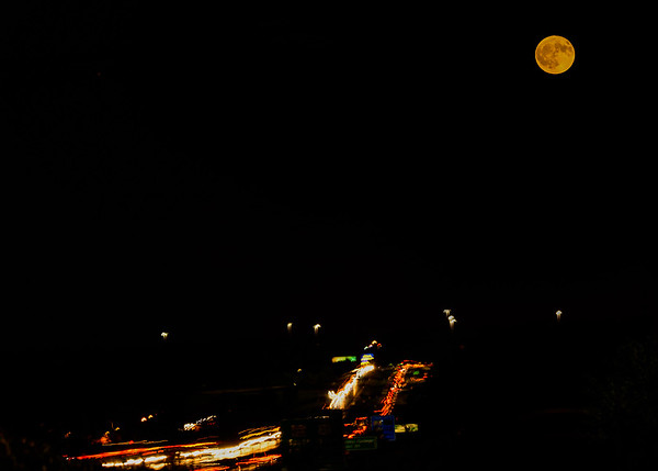 Harvest Moon 2017 as seen from Portage Ave bridge, South Bend