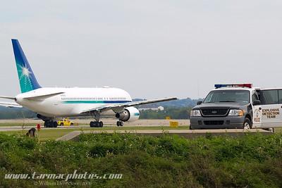 Boeing7672AXERN767A_7