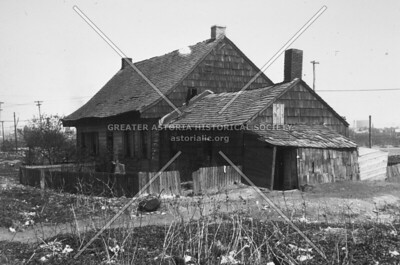 The Debevoise family farmhouse, built in 1652 on Hunters Point Avenue.
