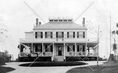 The Robert Tisdale house (1820s.)