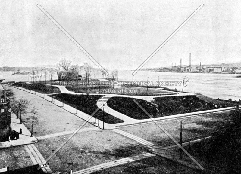 East River Park, c. 1900.  Today this land contains Carl Schurz Park and Gracie Mansion.
