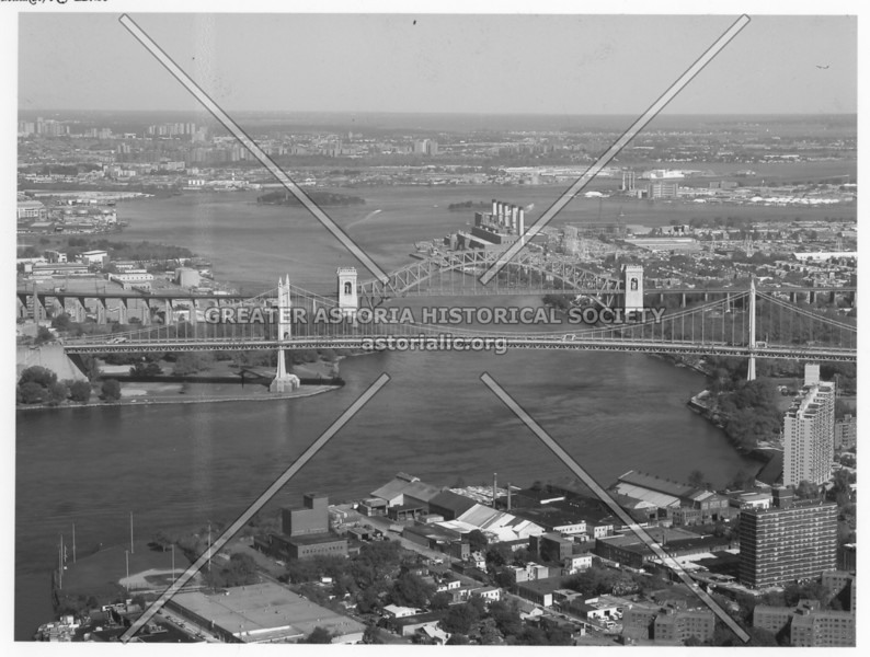East River bridges spanning over ever-trecherous Hell Gate waterway.  Note its currents.