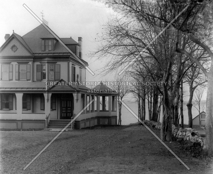 Francis Clair Mansion on Poppenhausen Avenue in 1895 (photo taken by College Point photographer Jacob Weiners Jr.)