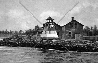 Hallet's point with fog bell