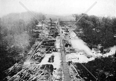 Buildling the Queensboro Bridge: facing W towards Manhattan the future Queens Plaza in 1907.