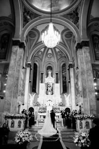 Casamento de Daniela Navarro e Guilherme Muzetti, 01/08/2009. Making of: Spettacolo - R. Cel. Diogo, 364. Cerimônia: Igreja Santa Terezinha, R. Maranhão, 617. Festa: Estação Jardim, R. das Bandeiras, 196 - Santo André - SP.